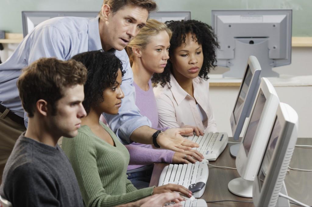Formateur Excel et ses élèves
